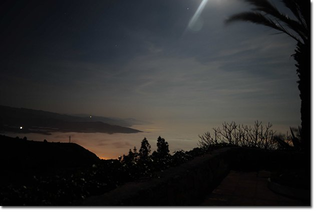 The-view-in-full-moonlight-from-La-Loma-Viva.-Photo-by-David-Ashwanden