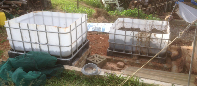 Compost Worm Farm for Chicken Food 01 - feat
