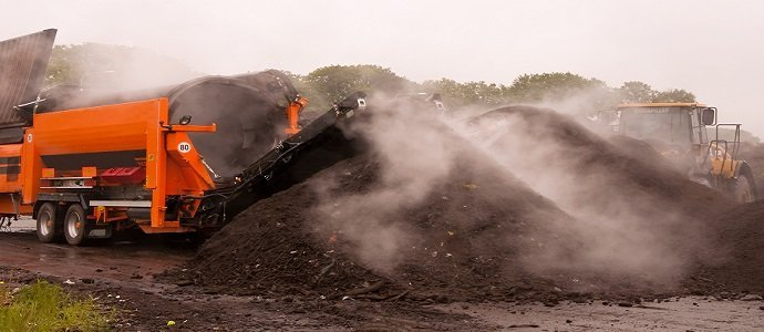 Restoring Heavy Metal Contaminated Soils Using Compost feat